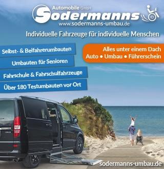 Werbung von einem behindertengerecht umgebauten Auto am Strand