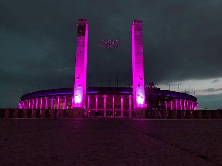 Olympiastadion Berlin bei Nacht